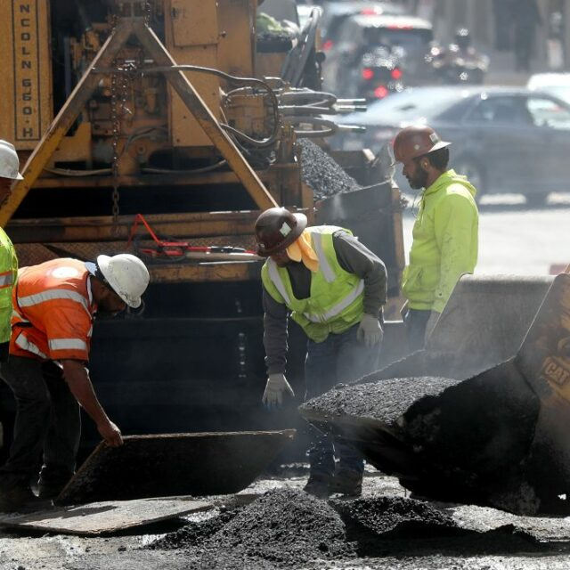 White House pitches infrastructure plan to the states