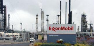 Exterior ExxonMobil sign