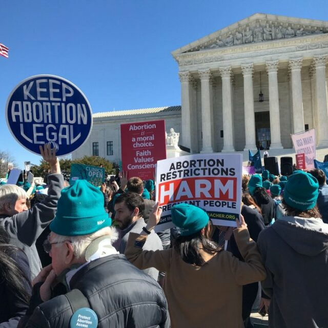 Medical experts challenge lawmakers' thinking on abortion ban
